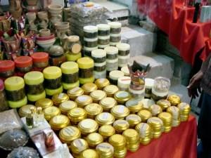 display produk gaharu